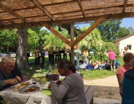 Repas à la Ferme et Musée du Pruneau